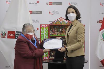 Artesana cusqueña Genoveva Núñez es elegida Amauta de la Artesanía Peruana 2020