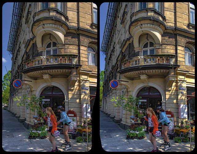 Streetphotography attempt 3-D / CrossView / Stereoscopy