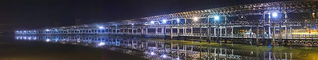 Nocturna del muelle de carga  Huelva