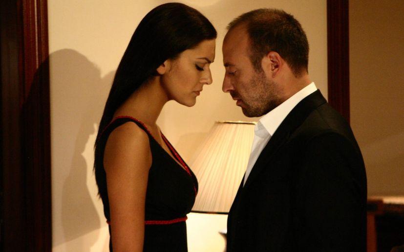 . Escena de Las Mil y una noches con Bergüzar Korel y Halit Ergenç / Imagen: Kanal D