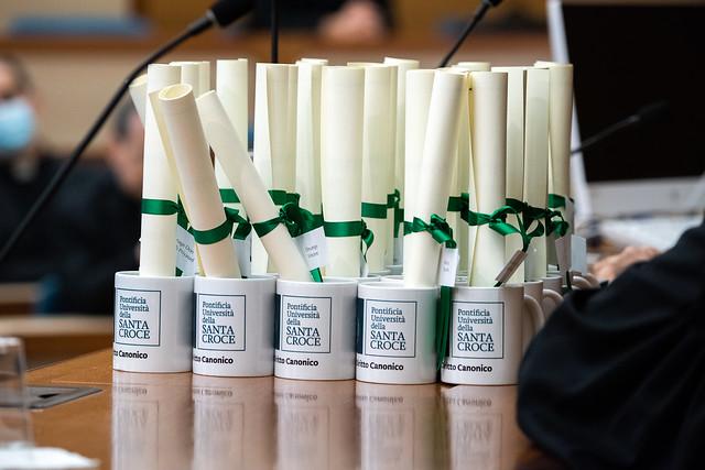 Cerimonia di chiusura del Corso di Licenza in Diritto Canonico