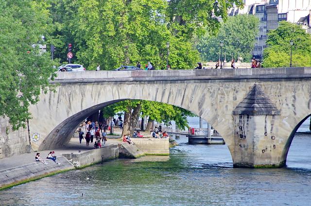 340 - Paris en Mai 2021 - sous le Pont du Carrousel