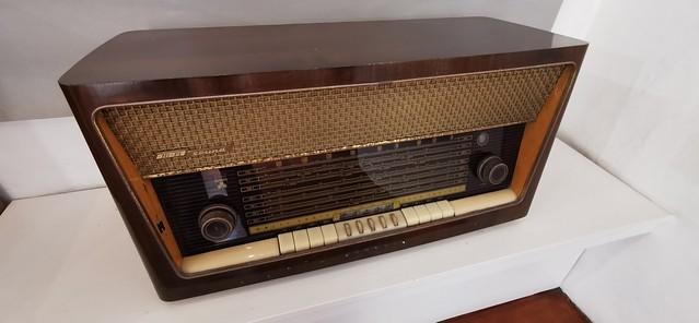 Radio reproductor de Musica Sala 5 interior Museo Néstor Álamo Santa María de Guía Gran Canaria