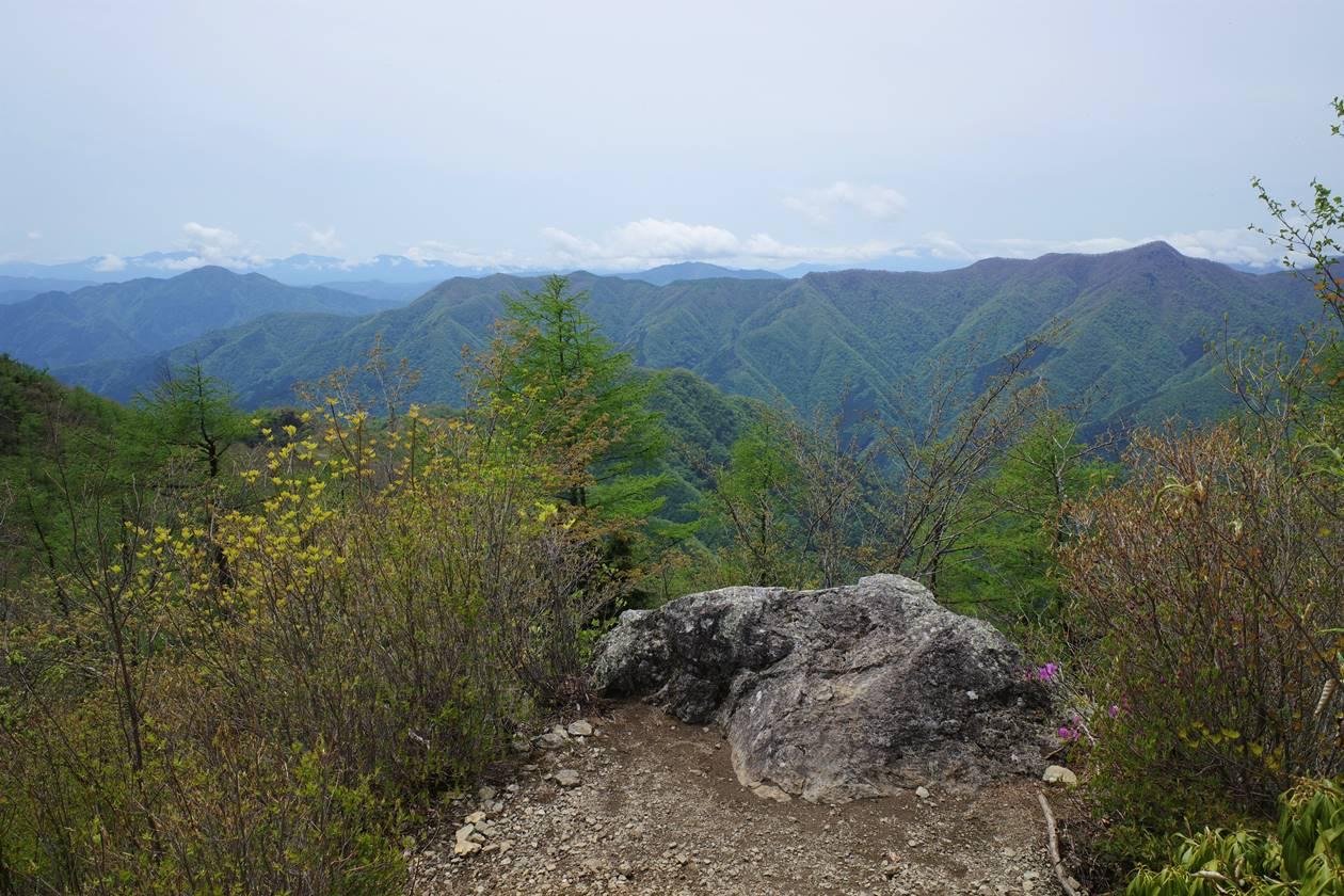 奥多摩・天目山山頂からの展望