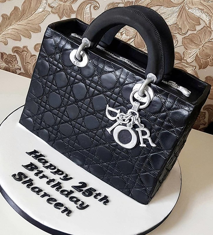 Cake by Sweet Tooth