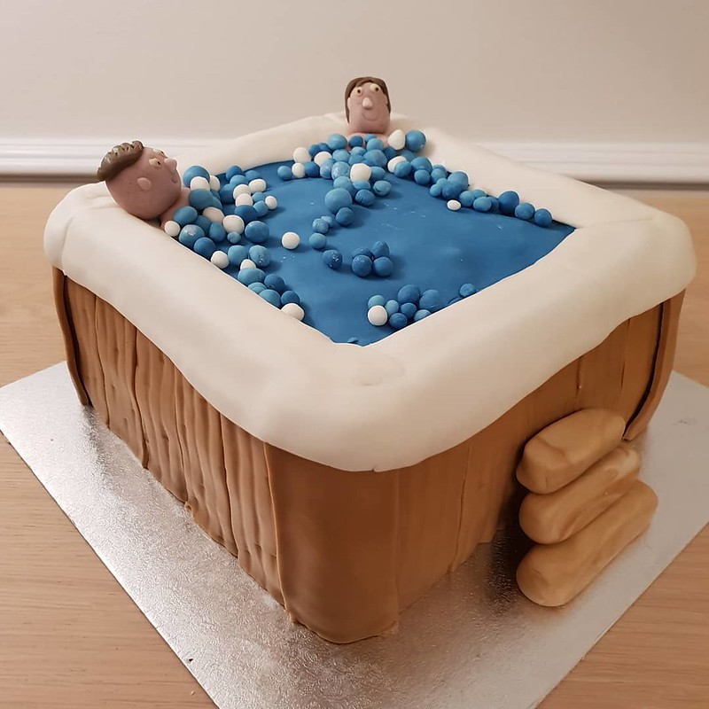 Cake by MHKitchen