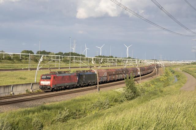 NL DBC 189 079-7 + 189 094-6 Valburg 06-06-2021