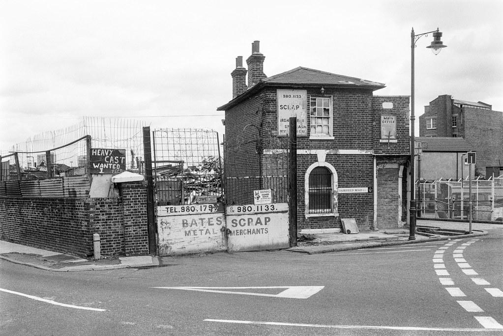 Bates Scrap, Fairfield Rd, Bow, Tower Hamlets, 1990, 90-9i-55