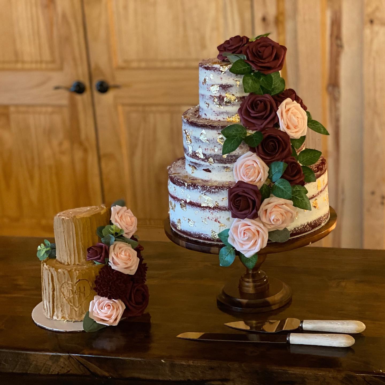 Cake by Monkey Bug Cakery