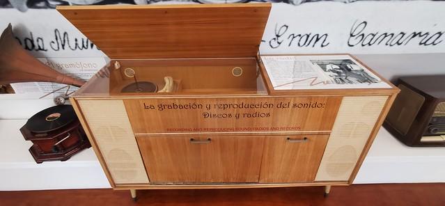 tocadiscos reproductor de Musica Sala 5 interior Museo Néstor Álamo Santa María de Guía Gran Canaria