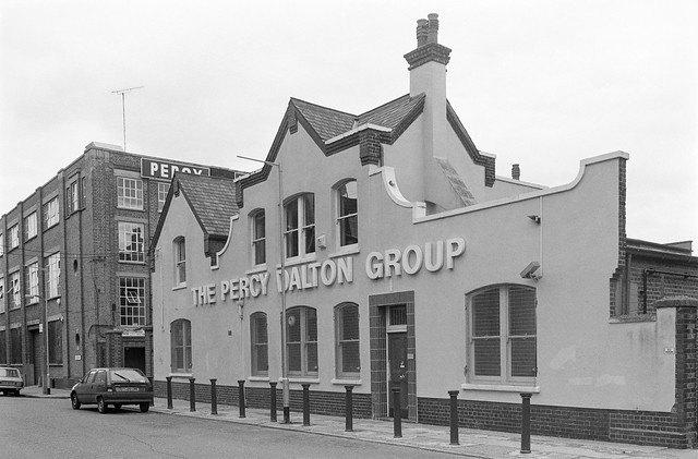 Percy Dalton, Dace Rd, Hackney Wick, Tower Hamlets, 1990, 90-9h-46