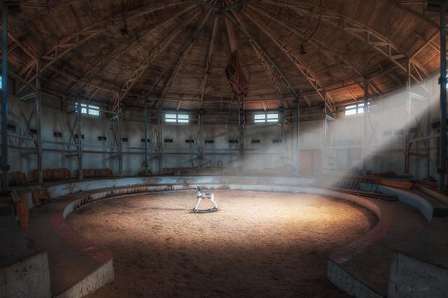 hopp, hopp, hopp, ... - the forgotten circus