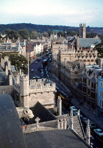 1970.00-06c Oxford 1970. Looking down the High Street from the University Church of St. Mary the Virgin