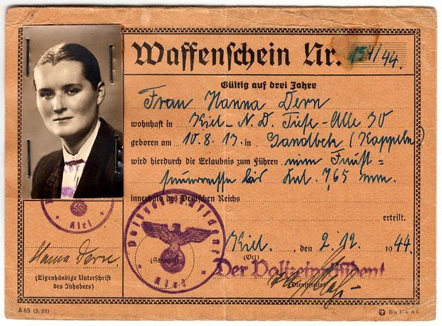 Waffenschein(handgun carry permit) for a woman in Kiel, Germany during WW2