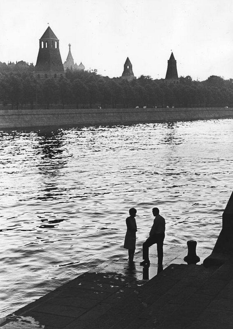 1966. У реки, Кремлевская набережная