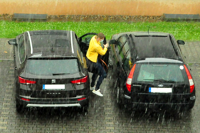 Juni 2021 ... Heftiger Juni-Regen in Mannheim-Seckenheim ... Brigitte Stolle