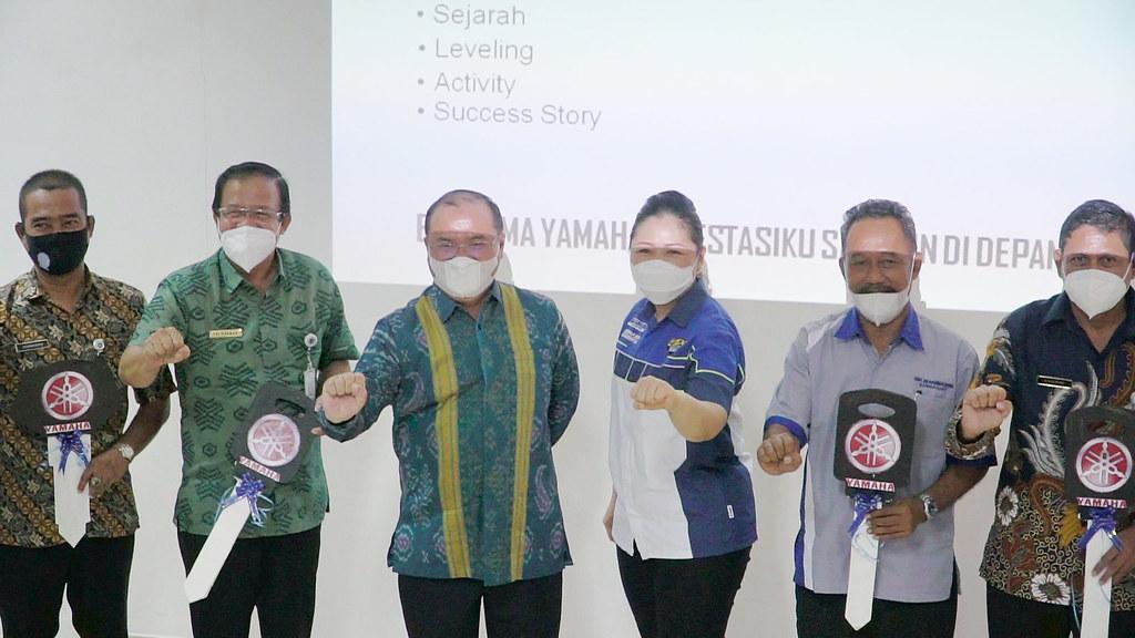 CV Sumber Jadi Sosialisasi Kurikulum SMK Binaan dan Donasi Sepeda Motor Yamaha