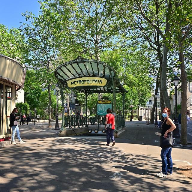 Montmartre - Paris 18° / Abbesses Metro
