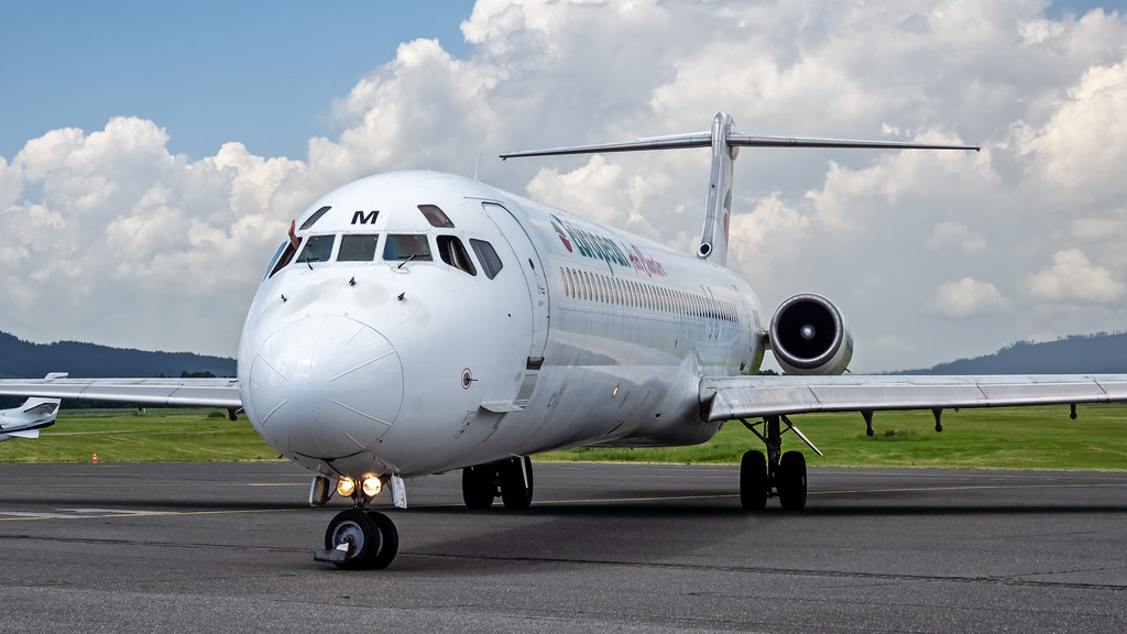 McDonnell Douglas MD-82 LZ-LDM