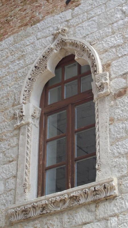 016-палаццо Дзукатто (деталь)