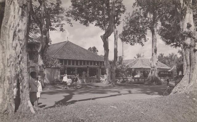Kebumen - Alun-Alun with Hotel Juliana, 1930