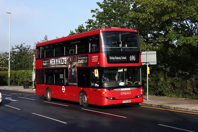 Route 696, London United, SP40045, YT09BMZ