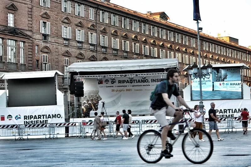 Manifestazione Cgil, Cisl e Uil 'Ripartiamo, insieme' a Torino