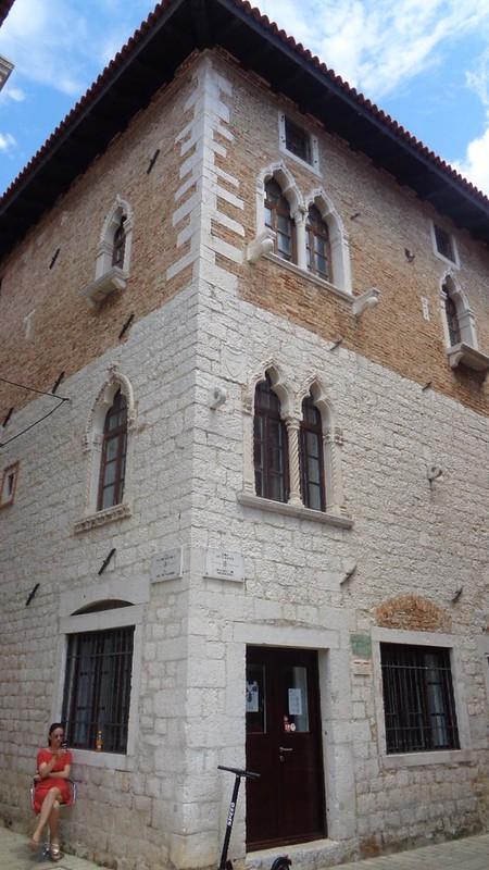 013-палаццо Дзукатто (деталь)