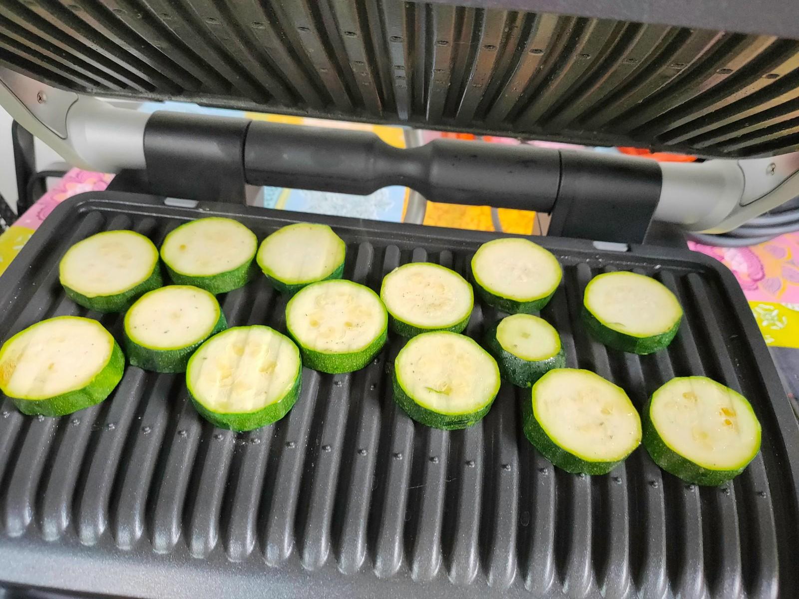 Zucchini kurz nach dem Auflegen - Tefal Optigrill Elite XL