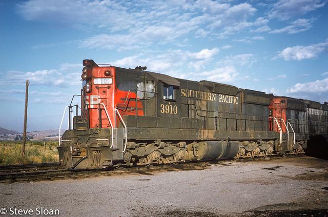 SP SD9s on the OC&E