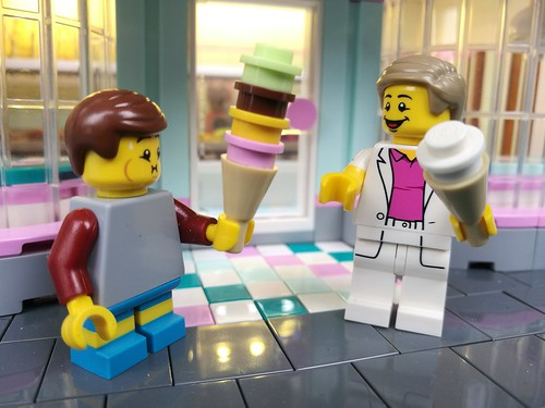 [MOC] Scoops gelato parlour