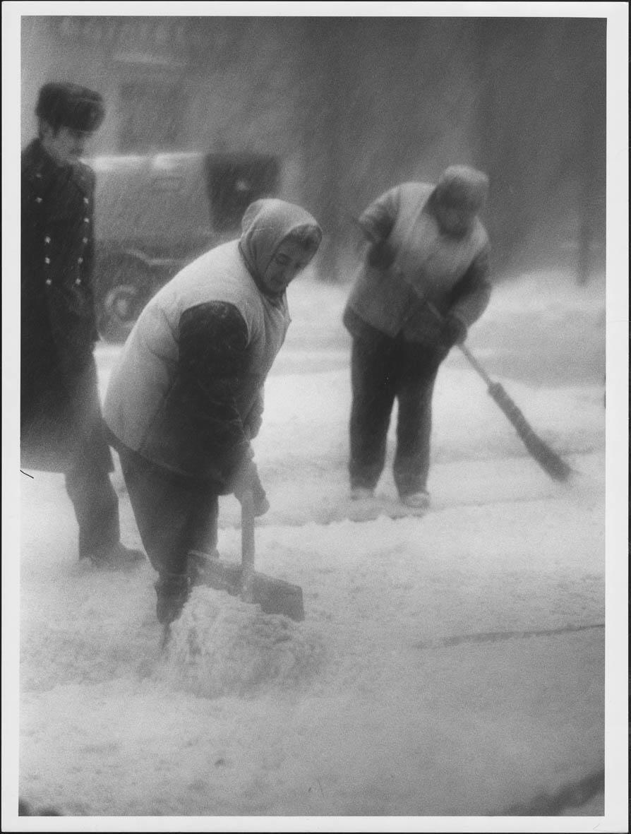 1975. Уборка снега