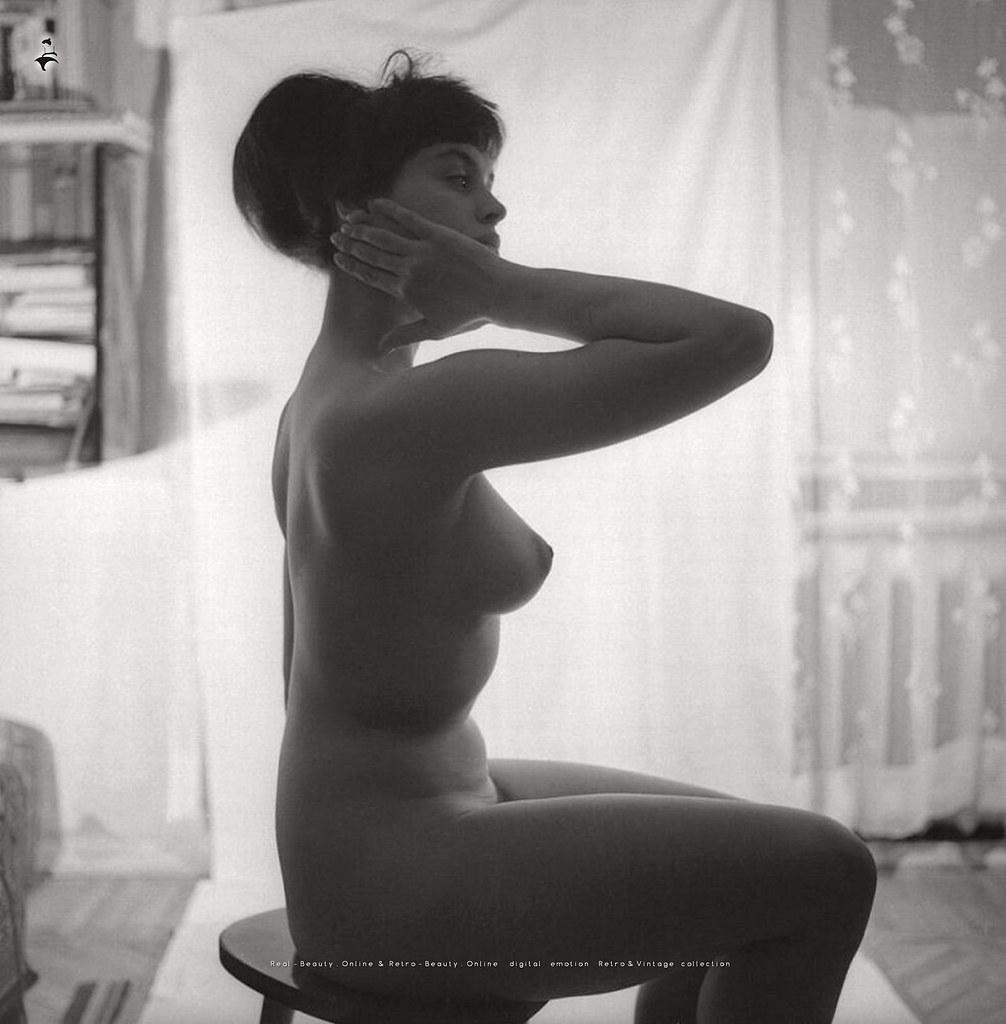 1971. «Перед зеркалом»