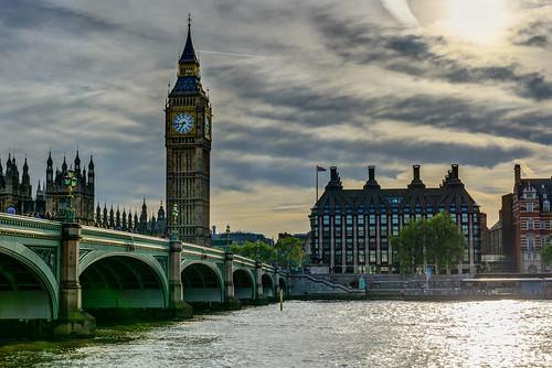 london thames river westminster parliament bigben clock sunset housesofparliament elizabethtower statue boudicaca boedicea spires towers speakershouse chimneys