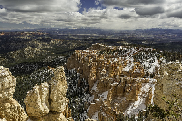Bryce Canyon overview from Rainbow Point NP at 9115'
