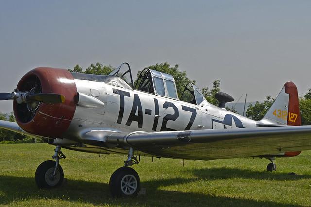 2018.05.19.101 LA FERTE ALAIS  - North American AT-6C Havard Mk.2A (F-AZBE - TA-127 - BuNo.88-12127)