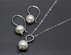 Handmade Pearl necklace and earrings set in sterling silver