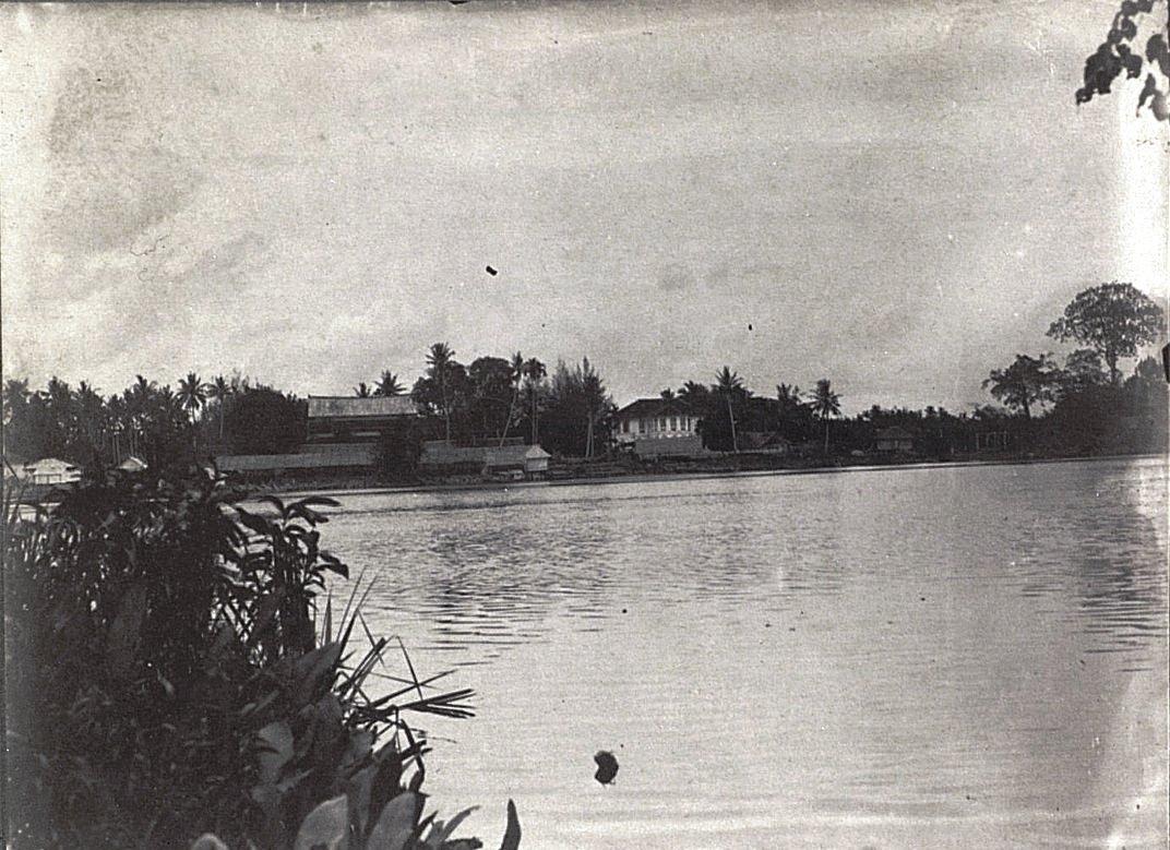 Вид на старый дворец в Сиаке.. Суматра