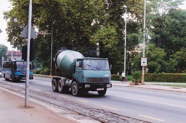 Hanomag - Henschel F261 Cement mixer Zagreb Croatie Hrvatska 1995a