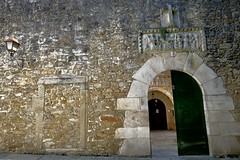 …Santa Bárbara...puertas...