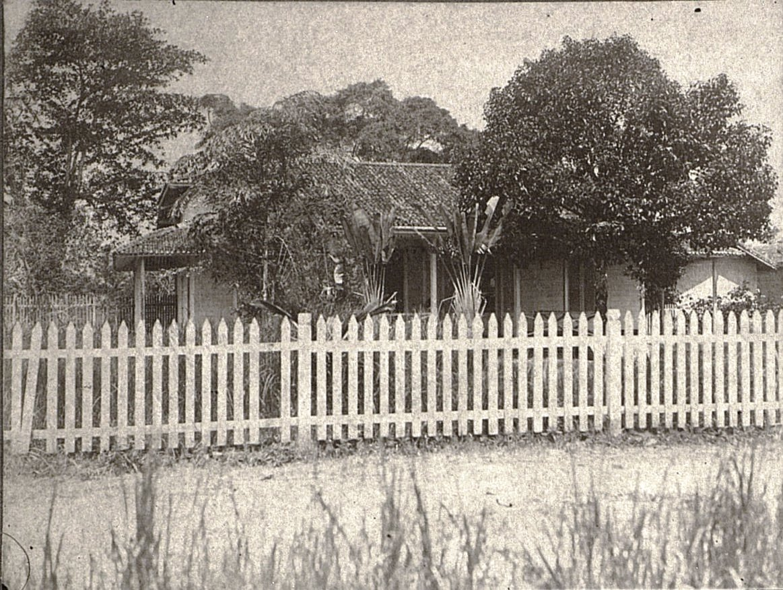 Дом Оскара Иона в Сиаке. Суматра
