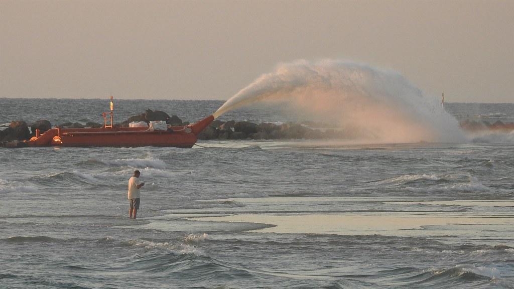 Морской фонтан