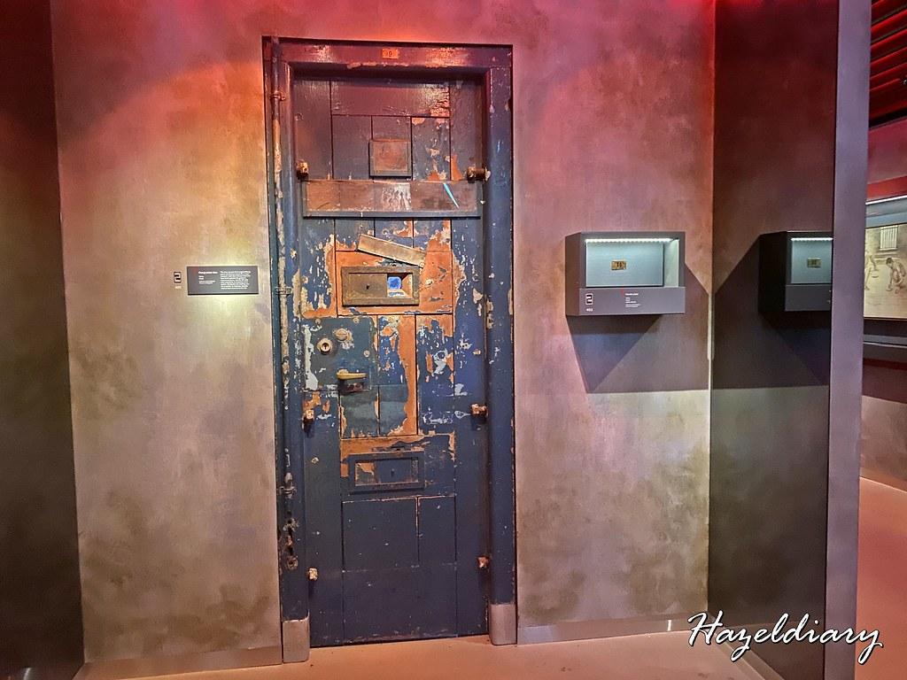 changi chapel museum-prisoner cell