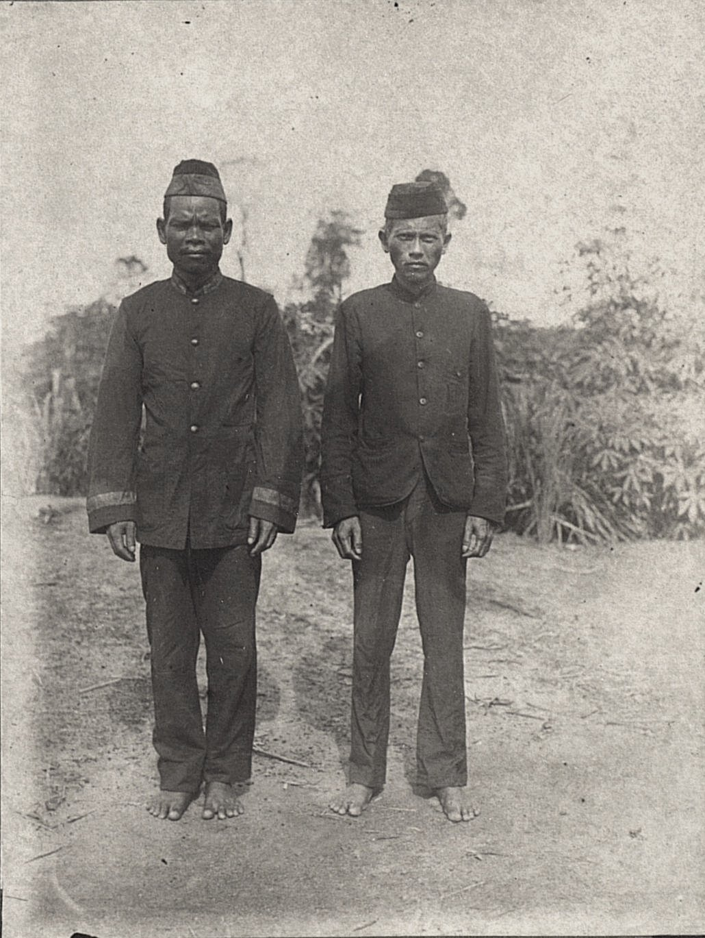 Деревенские чиновники. Суматра1