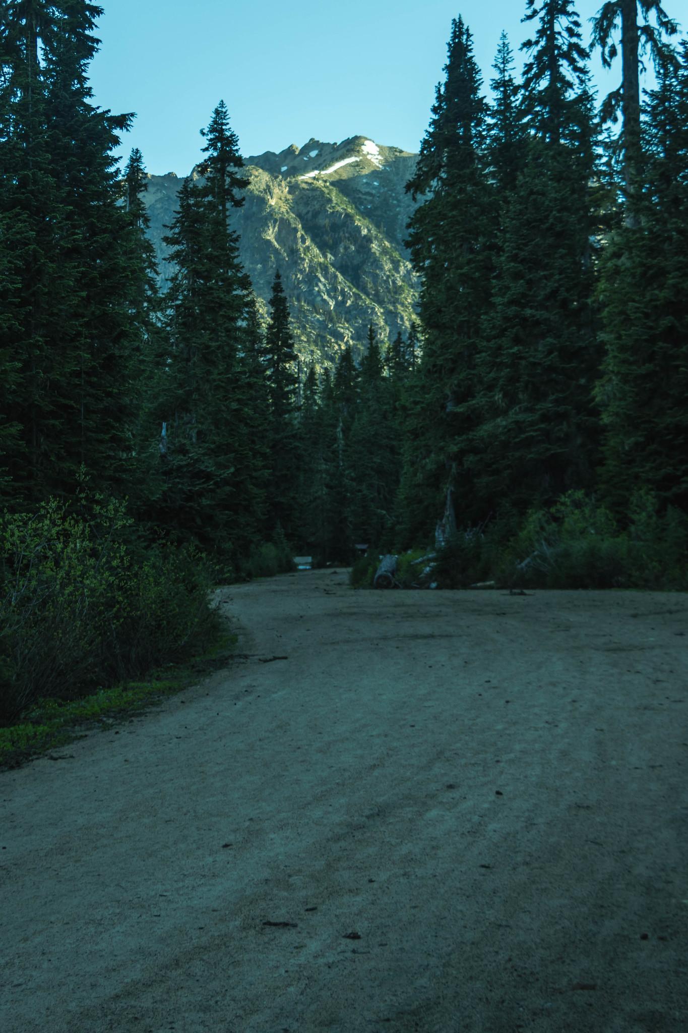 This way to Porcupine Peak