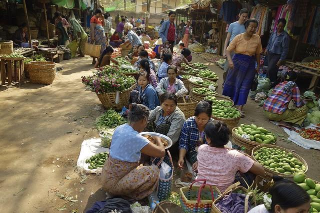 MYANMAR,Burma- Auf dem Markt Nyaung-Oo bei Bagan, 781381/13800