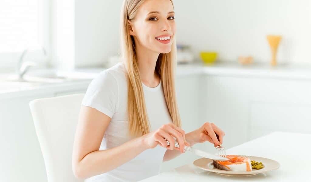 une-femme-qui-mange-des-oméga-3-protège-sa-progéniture-du-cancer-du-sein