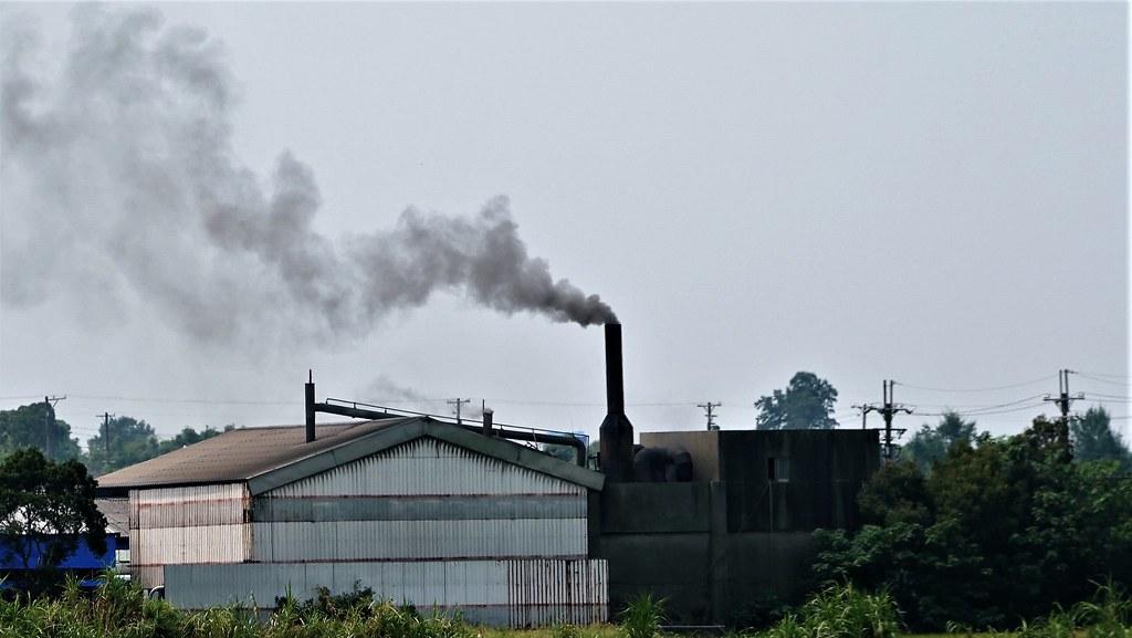 固定污染源示意圖,煙囪。孫文臨攝
