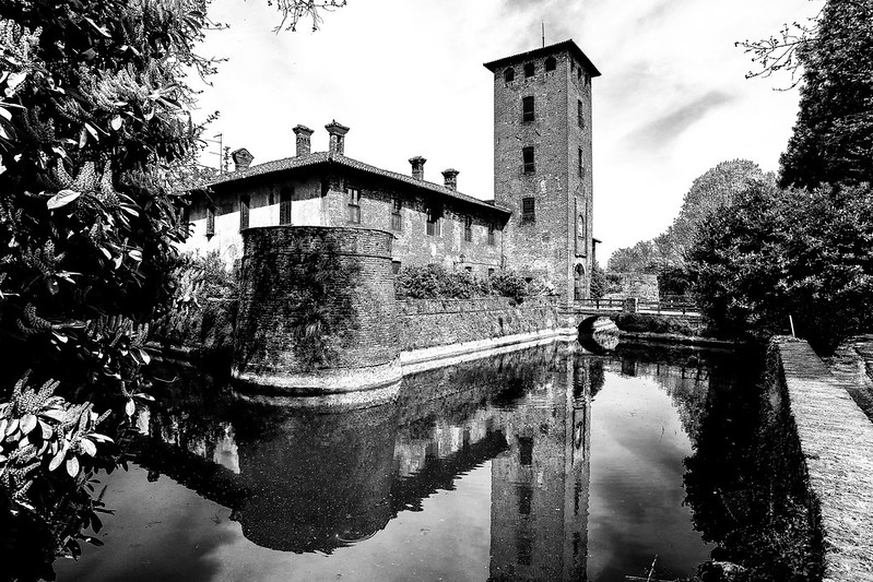 Castello di Peschiera Borromeo