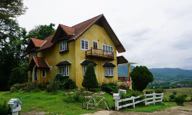 Pai yellow house Thailand